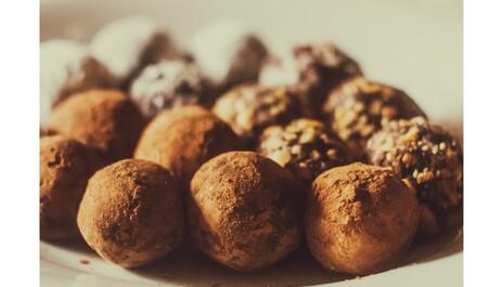 Recept na čokoládové pralinky s kokosovým olejem PURITY VISION