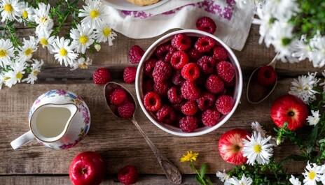 Recept na Vanilkovo Kokosovou pěnu s malinovým přelivem PURITY VISION